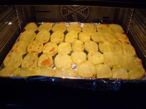 Homemade Potato Chips/ Домашен чипс од компири
