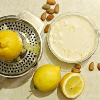 Almond Yogurt / Јогурт од бадеми
