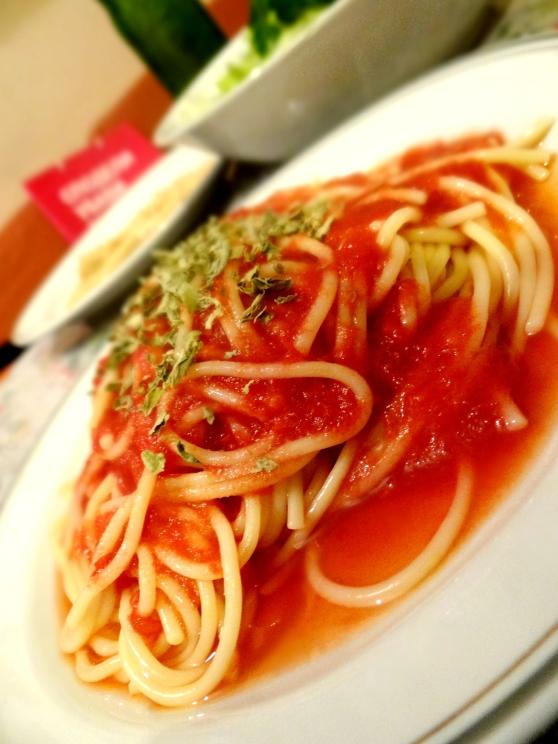 Tomato Sauce and Basil Spaghetti